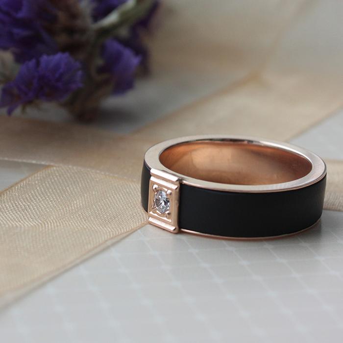 Золотое кольцо Лавина с каучуком в шинке и фианитом 000047995