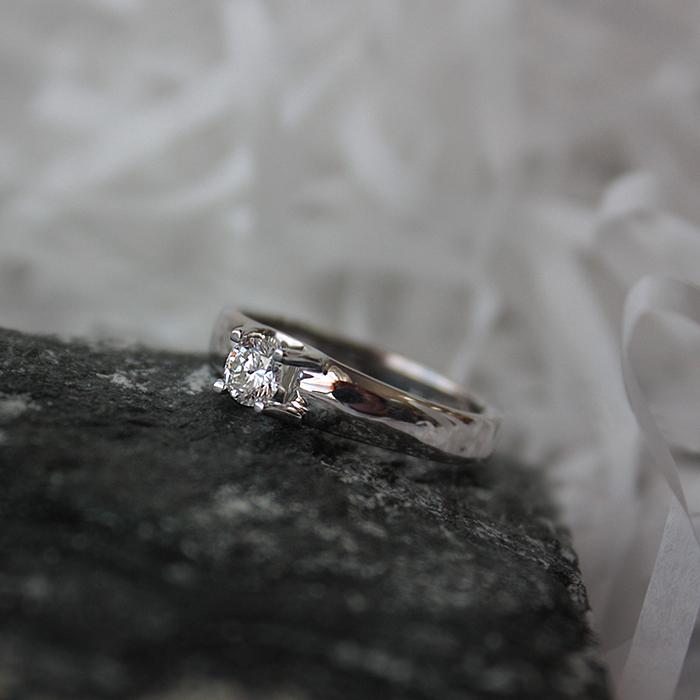 Серебряное кольцо Сказка о любви с белым кристаллом Swarovski 000082075