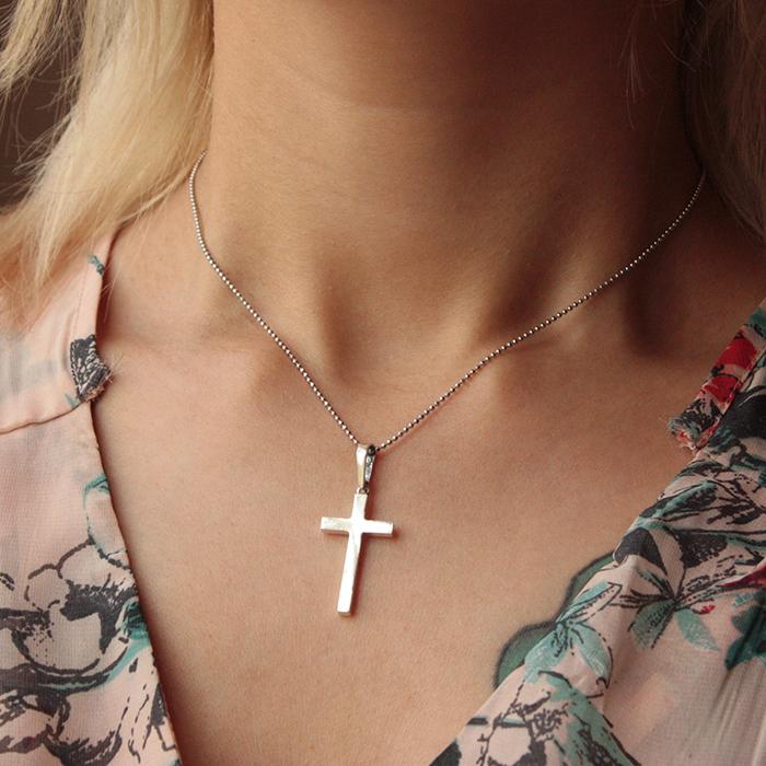 Серебряный крест Строгость и шарм в минималистичном стиле 000070696