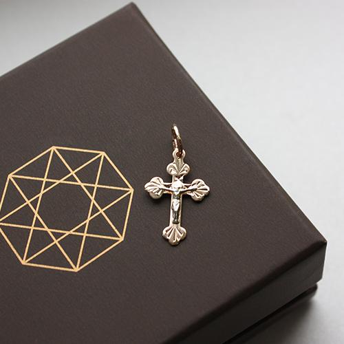 Золотой крестик Спаситель в комбинированном цвете с алмазной гранью 000032380