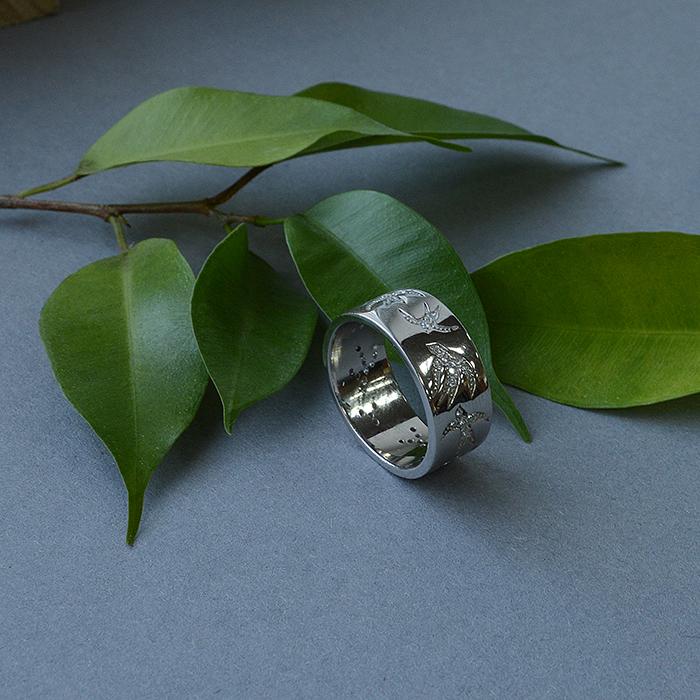 Серебряное кольцо Полет ласточек с фианитами 000064245