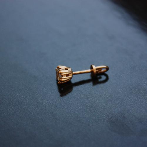 Золотые серьги-пуссеты с фианитом Яркое мгновение 000024274