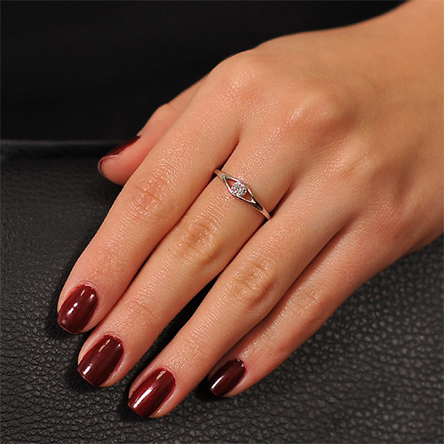 Золотое кольцо Сильвия в белом цвете с бриллиантом EDM--КД7466/1
