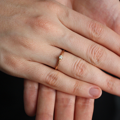 Золотое помолвочное кольцо Жанна в комбинированном цвете с бриллиантом  VLA--11780