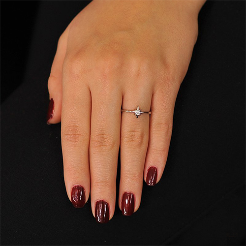 Кольцо из белого золота Адония с бриллиантом EDM--КД7485/1