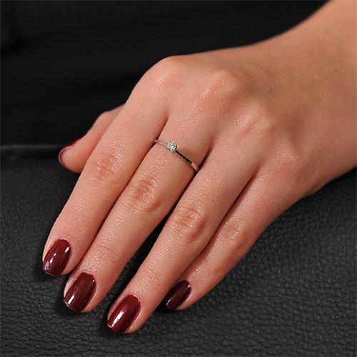 Кольцо из белого золота Нежность чувств с бриллиантом  EDM--КД7525/1