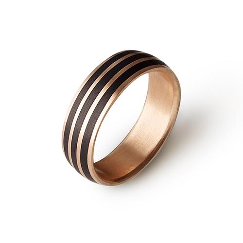 Золотое кольцо Шарм с карбоном CJ018