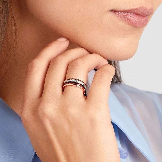 Обручальное кольцо Мелодия в комбинированном золоте с фианитами и черной шпинелью в стиле Бушерон 000011711