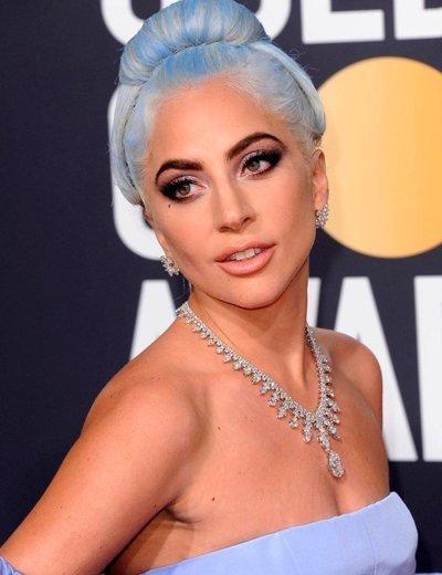 Леди Гага в голубом платье от Valentino