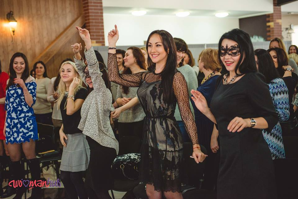 Танцы на мастер-классе Светланы Вольновой