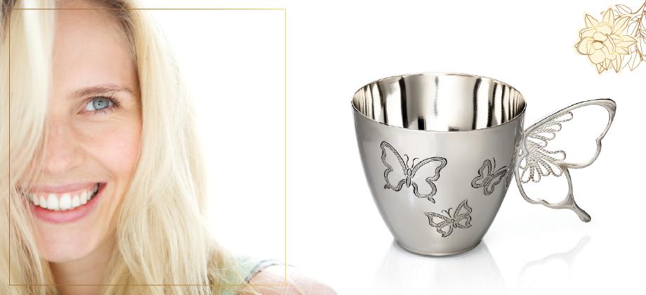 Серебряная чашка с бабочками