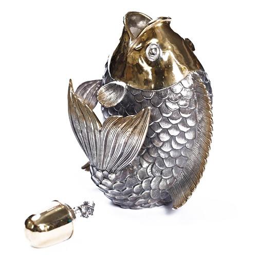 Графин из серебра в виде рыбки