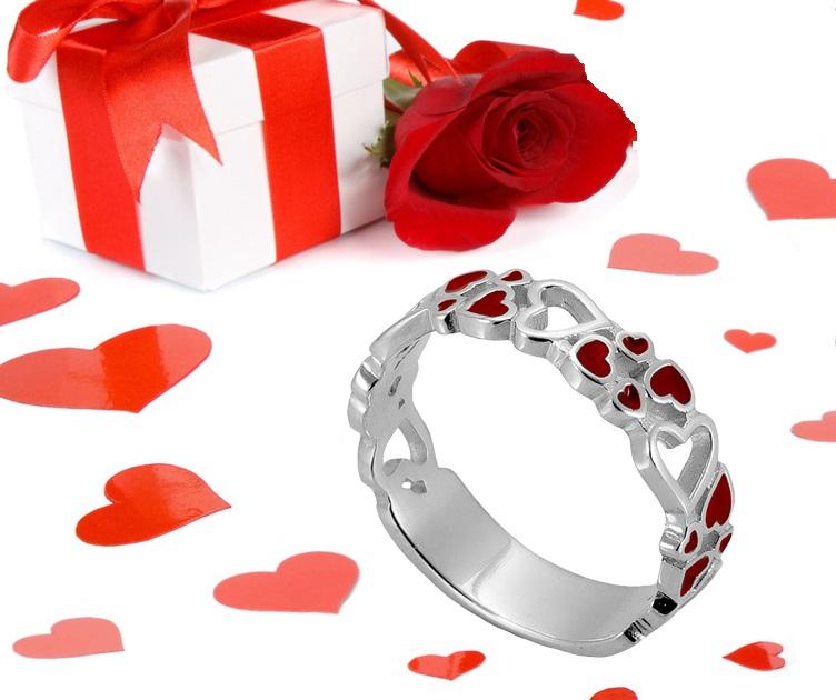 Серебряное кольцо с красной эмалью