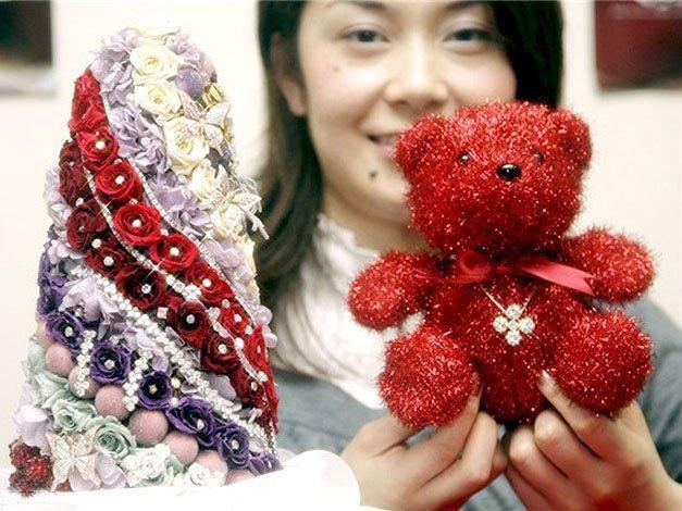 Ёлка из жемчуга и бриллиантов в магазине Takashimaya в Китае