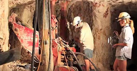 Добыча опалов в шахтах