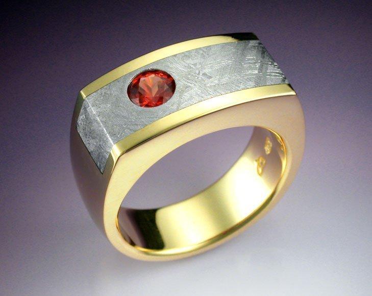 Мужское кольцо с метеоритом от Biagiotti