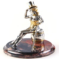Серебряная статуэтка