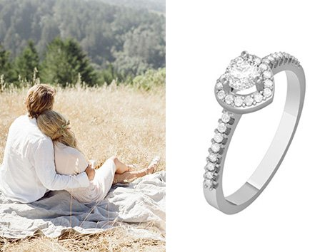 Золотое помолвочное кольцо с сердечком