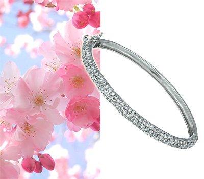 Женский браслет с усыпкой камней