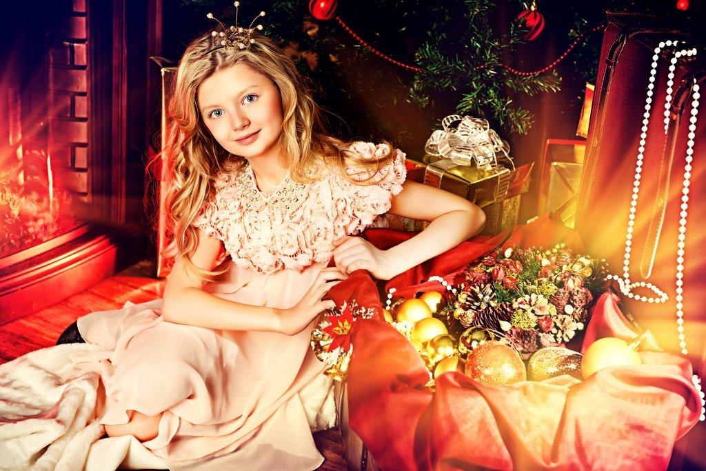 девочка в образе принцеысы