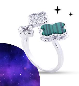 Серебряное кольцо Волшебный клевер с имитацией малахита и фианитами