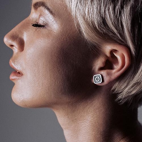 Серебряные серьги-пуссеты Instagram с чернением