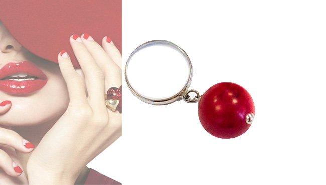 Женское кольцо с кораллом