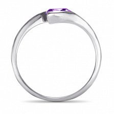 Золотое кольцо Тонкие грани в белом цвете с синтезированным аметистом