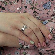 Золотое обручальное кольцо Соединение судеб в белом цвете