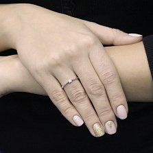 Помолвочное золотое кольцо Ольвия в белом цвете в четырех крапанах