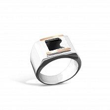 Серебряный перстень-печатка Фридом с золотыми вставками и имитацией оникса