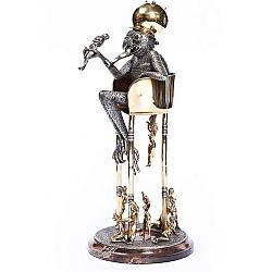 Дизайнерская серебряная композиция Кронос с позолотой на подставке из яшмы 000004391