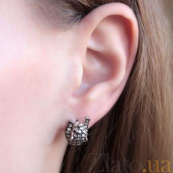 Серебряные серьги Леопард с черными и белыми фианитами   000045681