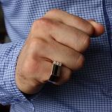 Золотое кольцо-печатка на мизинец Карн с эмалью и фианитами