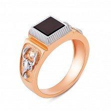 Золотой перстень-печатка в комбинированном цвете с ониксом и фианитами 000135950
