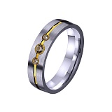 Золотое обручальное кольцо Половинка сердца с фианитами