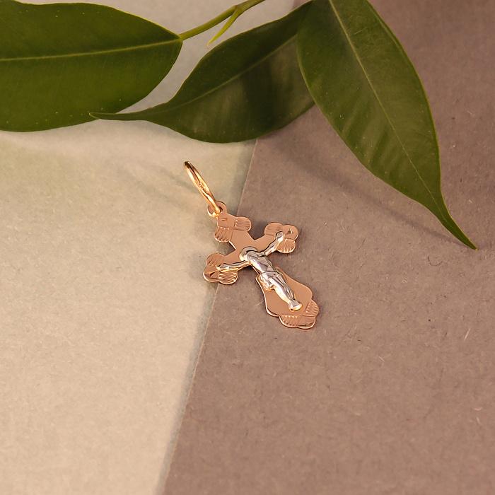 Золотой крестик Восхищение в комбинированном цвете на фигурной основе с насечками 000046385