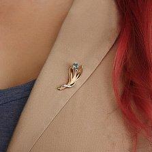 Золотая брошка Нежный тюльпан с голубым топазом и фианитами