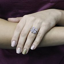 Серебряное кольцо Нежный цветок с сапфиром