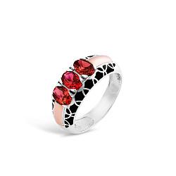Серебряное кольцо Гульмира с золотой накладкой, красными фианитами и черной эмалью