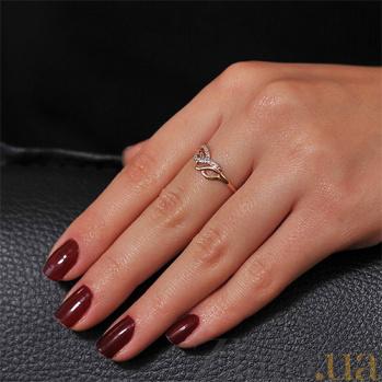 Золотое кольцо с цирконием Фрейлина EDM--КД2002