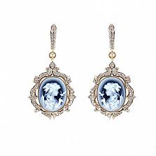 Золотые серьги с бриллиантами и камеей на агате Camellia