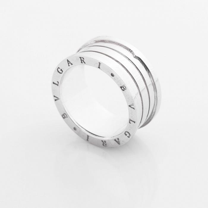 Золотое кольцо Голос тишины в белом цвете в стиле Булгари 000082369