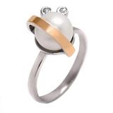 Серебряное кольцо с жемчугом и золотой вставкой Белиссимо