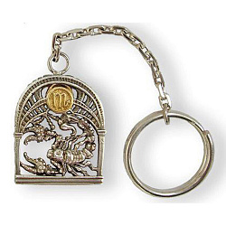 Серебряный брелок Знак зодиака Скорпион с позолотой 000004645