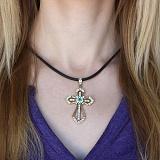 Золотой крест Торжество с изумрудом и бриллиантами на каучуковом шнурке с золотой застежкой
