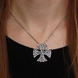 Серебряный равносторонний крест Трикветр с чернением
