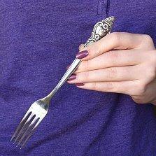 Серебряная столовая вилка Розочка с чернением