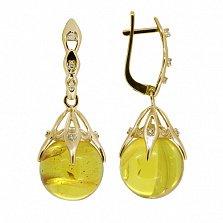 Золотые серьги-подвески Марлен с янтарем и бриллиантами