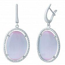 Серебряные серьги-подвески Амира с сиренево-розовым кошачьим глазом и фианитами